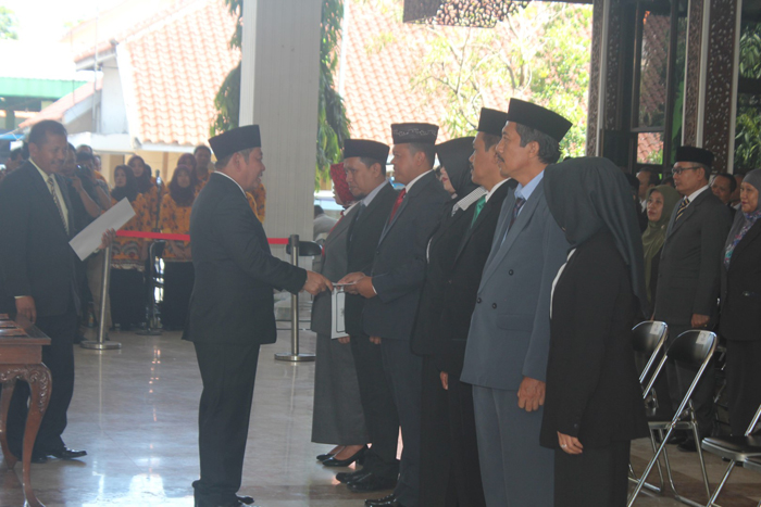 Bupati Sidoarjo Lantik 9 Pejabat Struktural 85 Kepala SD dan SMP