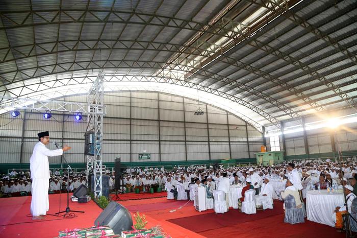 Wagub Jatim Saifullah Yusuf hadiri acara deklarasi Sampang mengaji di GOR Kota Sampang.