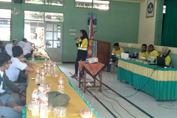 PT BSI Suntikkan Motivasi ke Murid SMAN 1 Giri