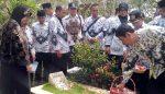 PGRI Kabupaten Malang Tabur Bunga ke Makam 4 Pahlawan Pendidikan