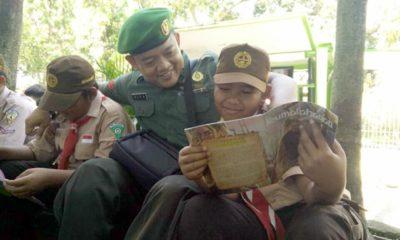 Hadirkan Simokos Di Sekolah, Koramil 081514 Dlanggu Tingkatkan Motivasi Siswa-Siswi Gemar Membaca