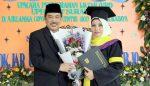 Istri Wabup Sidoarjo Raih Gelar SPd, Masuk Lulusan Terbaik