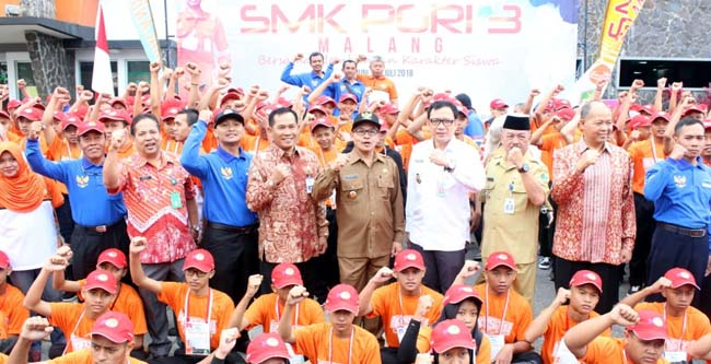 Bersinergi meski berbeda, untuk Indonesia. (rhd)