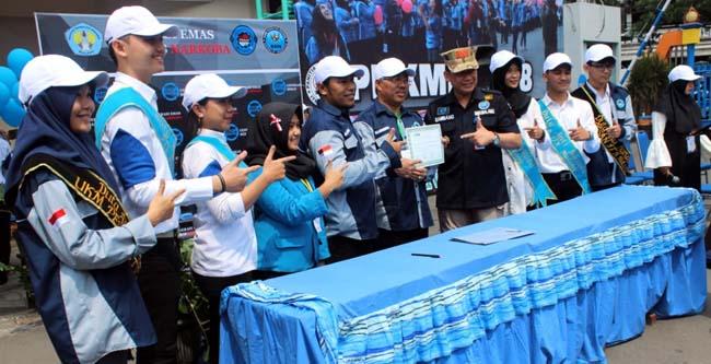 Duta PESAN ITN bersama jajaran Rektorat ITN dan BNN Kota Malang berkomitmen melawan narkoba yang dituangkan melalui MoU. (rhd)