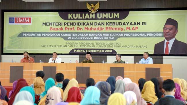Mendikbud Ajak Alumni & Ortu Terlibat Kembangkan Sekolah