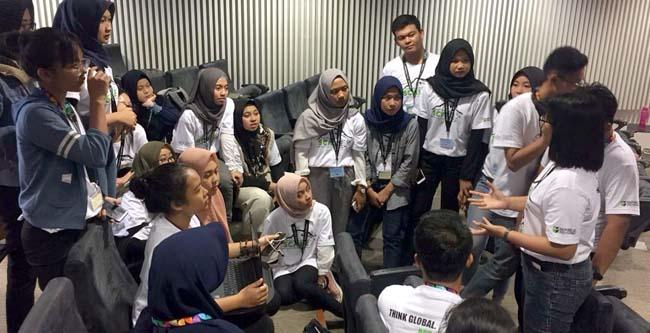 Sharing ide dalam kelas antar kelompok. (ist)
