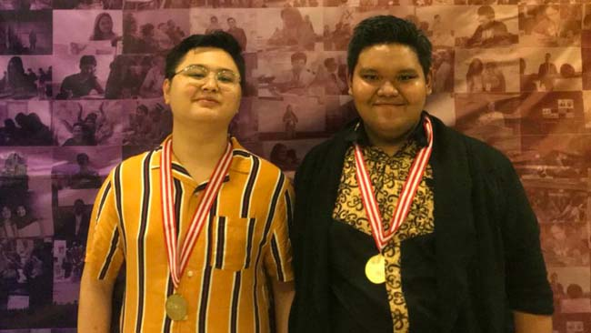 UBAYA Raih Juara 1 Kompetisi Debat Asian English Olympics 2019