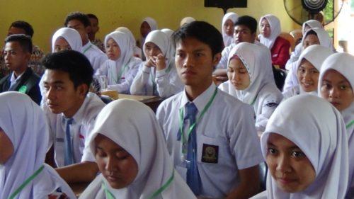 125 Pelajar SMA Menuju 10 Duta Lingkungan DLH Lamongan