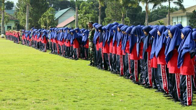 MTsN 1 Tempa Kedisiplinan dan Karakter Siswa Baru di Pusdik Arhanud