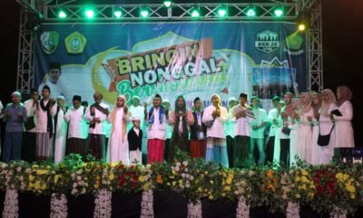 PANGGUNG : Acara Bringin Nonggal Berhsolawat oleh kelompok KKN 26 Universitas Trunojoyo Madura. (zyn)