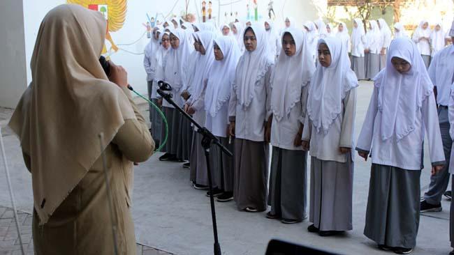 MPLS di SMA Al Muslim untuk Penanaman Karakter Cinta Tanah Air dan Peduli Lingkungan